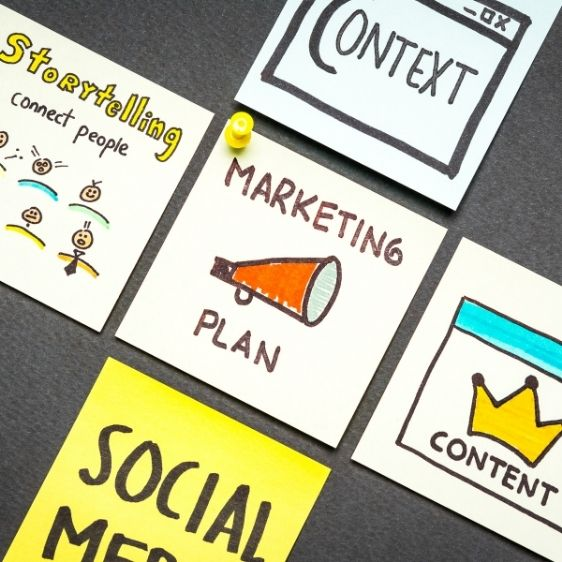 """post-it notes with drawings and text that reads: """"marketing plan, context, storytelling, connect people"""""""